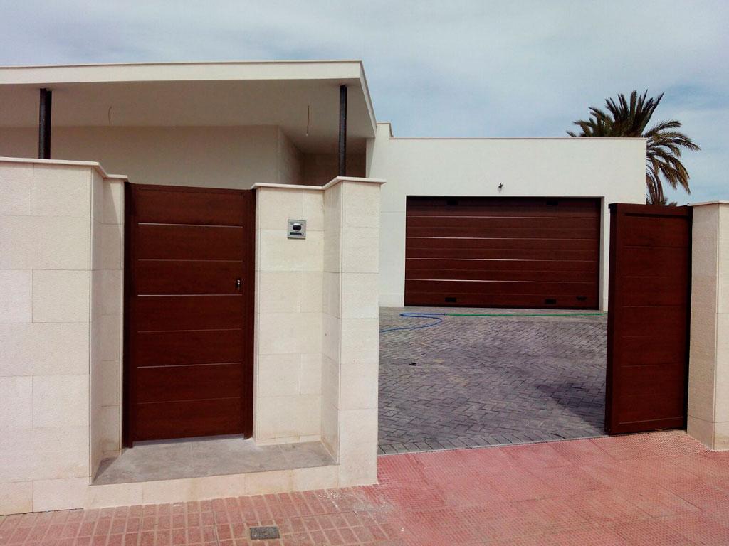 puertas-entrada-y-garaje-adosado